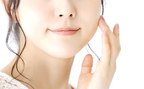 """<strong>美肌効果</strong> <span style=""""font-size:80%"""">血液がキレイになり、肌が美しくなります。さらに若返りホルモンも分泌されて、エイジングケアの効果も期待できます。</span>"""